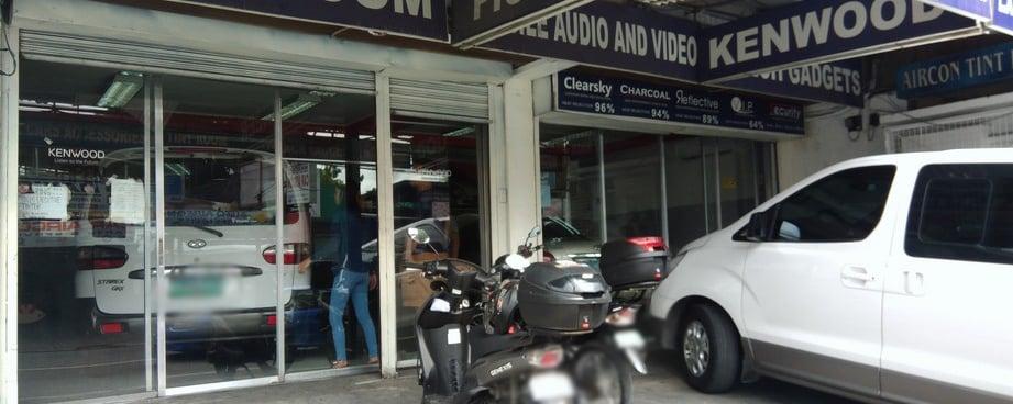 La Car Accessories Car Tints And Window Films Accessory Shop In Paranaque